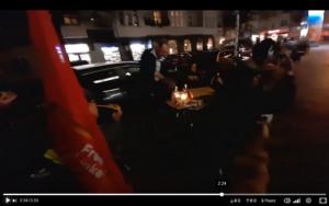 Pizza-Party der Freien Linken vor 2G-Szenepizzeria in Neukölln